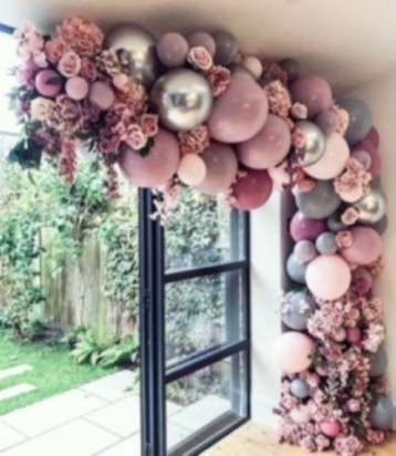 Organic Balloon and Purple Flowers and Leaves Garland (4 Meters)