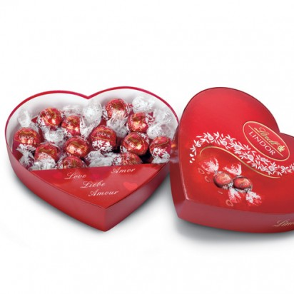 LINDT Lindor Milk Chocolate Heart Box (160 grams)